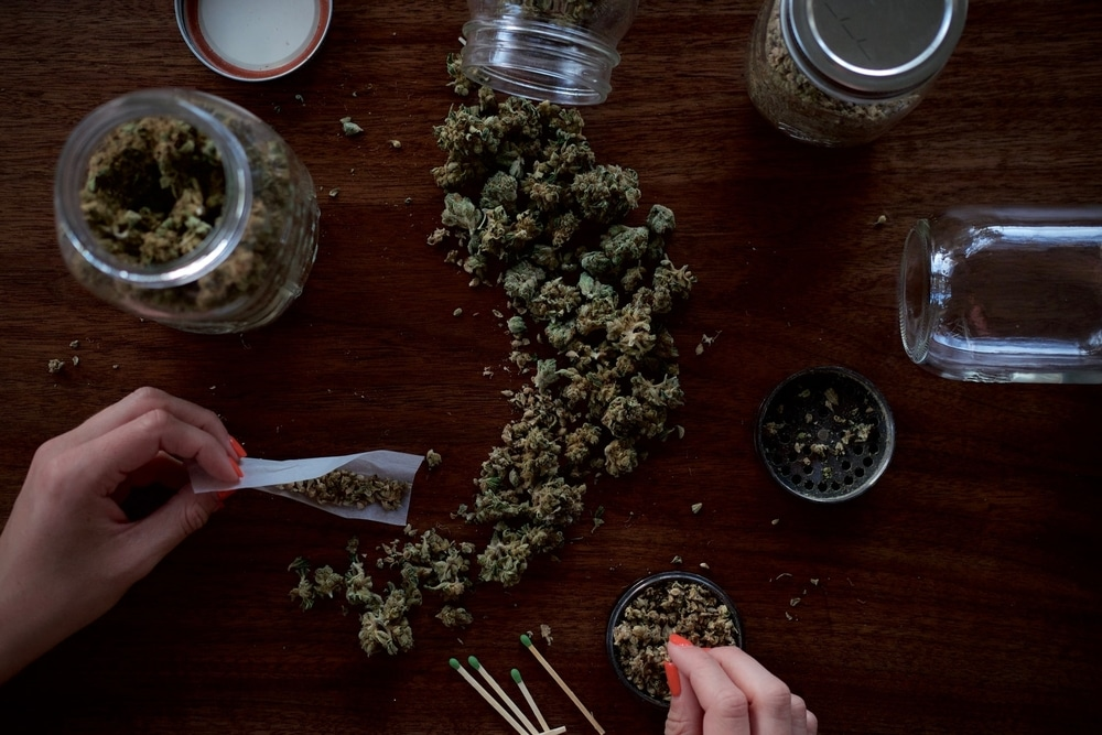 Weed in jars and getting rolled
